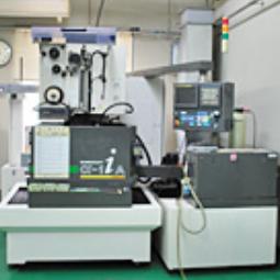 ワイヤー放電加工機ROBOCUT α-1iA